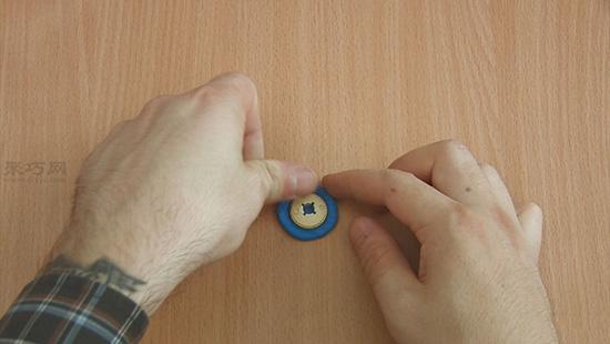 超�p粘土�匙�教程 自制��蔚��意粘土�匙扣步�E 3