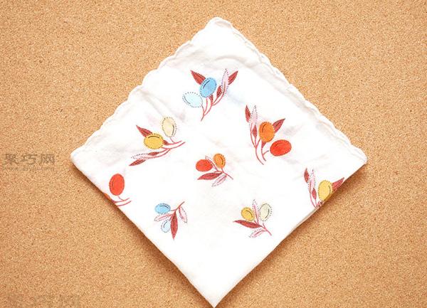餐巾折花图解教程 教你如何快速折菱形餐巾袋