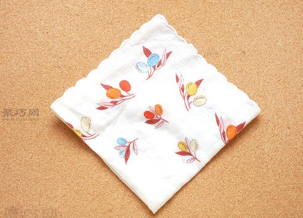 餐巾折花图解教程 教你如何快速折菱形餐巾袋 4