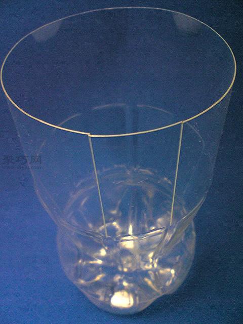 如何用廢舊塑料瓶做創意花瓶 飲料瓶手工制作花瓶