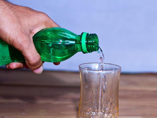 如何在小花瓶里插花 小瓶插花技巧 2