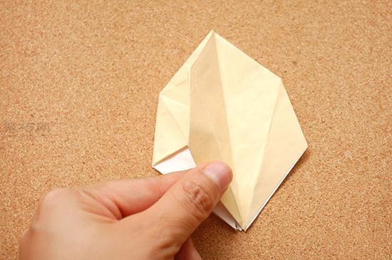 星星盒子折法图解 四角小礼品盒如何折叠 9