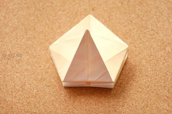星星盒子折法图解 四角小礼品盒如何折叠 15