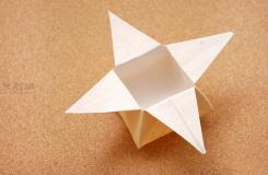星星盒子折法图解 四角小礼品盒如何折叠