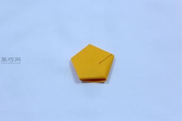 用纸怎样折叠幸运星星 DIY五角星星教程图解