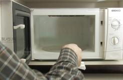 如何用檸檬清理微波爐 清理微波爐圖解教程