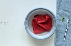 怎樣使用熱液體清理口香糖 清理衣服上的口香糖圖解教程