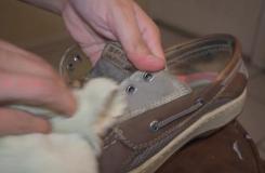 怎樣使用洗碗液和水清潔帆船鞋 清潔Sperry帆船鞋圖片教程