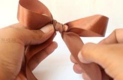 手系蝴蝶結圖解教程 來看如何DIY用絲帶制作蝴蝶結