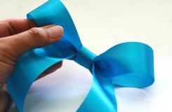 手工DIY金屬絲蝴蝶結方法 一起學用絲帶制作蝴蝶結怎么做