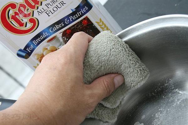 怎么使用面粉給不銹鋼拋光 10