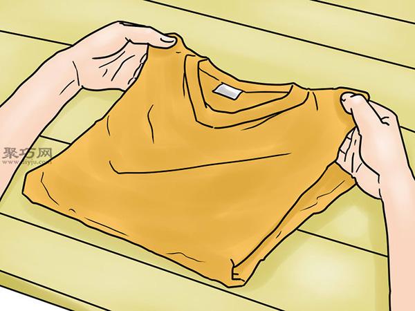 T恤基本折疊法 5