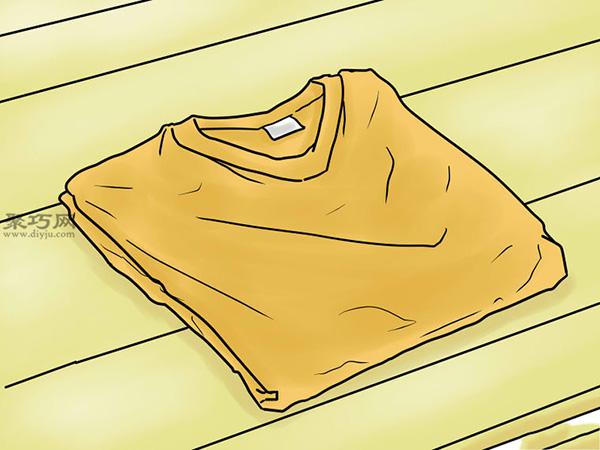 T恤基本折疊法 6