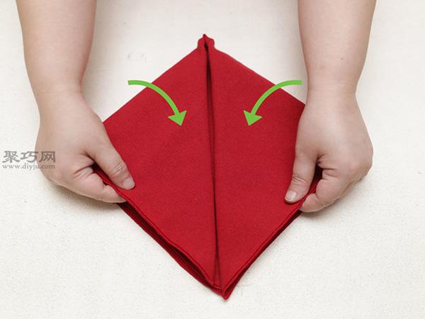 心形餐巾折法 26