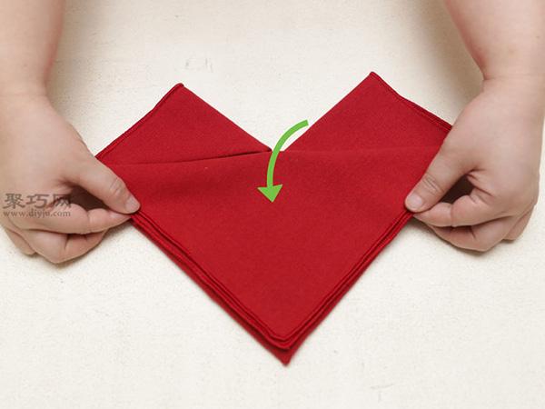 心形餐巾折法 28