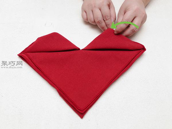 心形餐巾折法 29