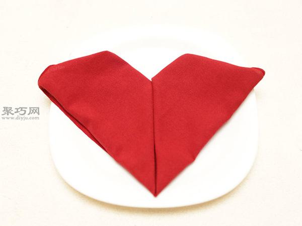 心形餐巾折法 30