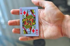 怎么找出觀眾所選的撲克牌 教你用撲克牌變魔術的方法