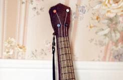 DIY布藝吉他 一個超萌的布藝玩具教程