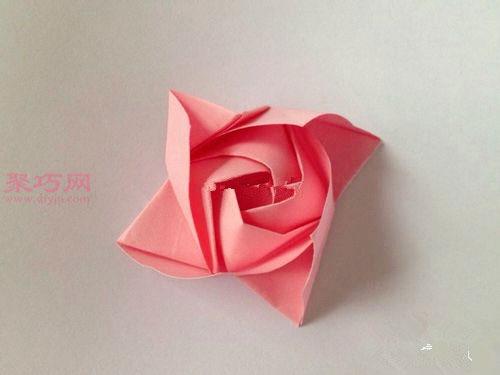 粉色玫瑰花束的折法图解 教你如何手工折纸玫瑰花束图片