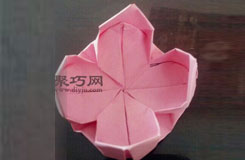 蓮花的折法圖解教程 教你如何折紙蓮花