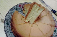 不用烤箱做戚風蛋糕的方法 用面包機做戚風蛋糕的步驟