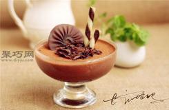 巧克力慕斯杯蛋糕做法教程 如何做巧克力慕斯杯蛋糕