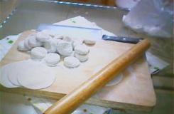 勁道滑軟餃子皮的做法 餃子皮面水比例為100:60