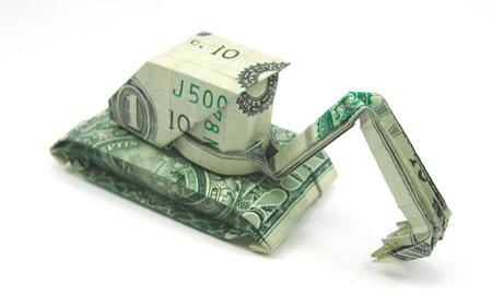 欧元和美元创意折纸作品:挖掘机