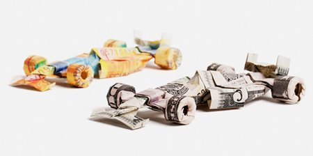 欧元和美元创意折纸作品:F1赛车