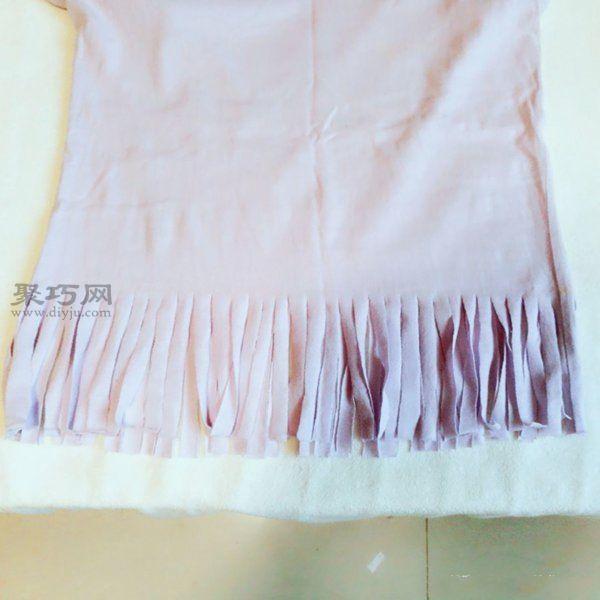 舊T恤改造流蘇衫 第2步