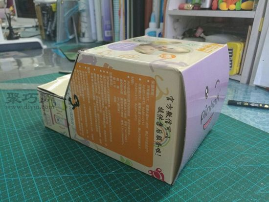 廢紙盒秒變汽車 第5步