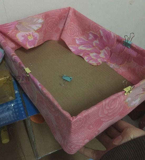 纸盒做简易收纳架 第3步