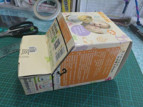 廢紙盒秒變汽車 第4步