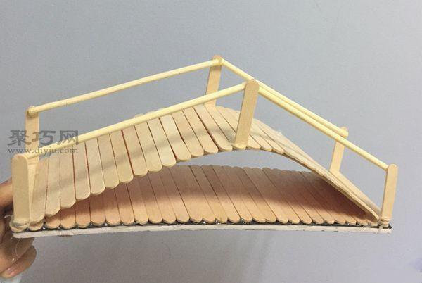 冰棍棒做的拱橋 第5步