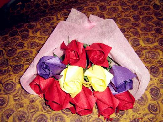 史上最简单的折纸玫瑰花步骤图解 教你如何折纸玫瑰图片