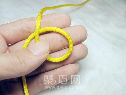 打單線六瓣長紐扣結步驟1