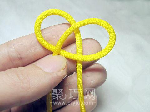 中國結之單線紐扣結打法圖解第二步