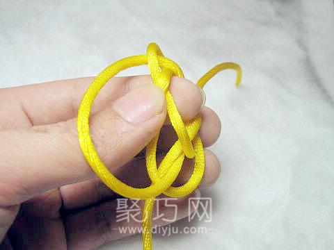 中國結之單線紐扣結打法圖解第五步