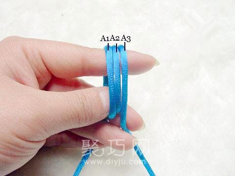 中國結中的寶結四寶三套的編法教程第2步