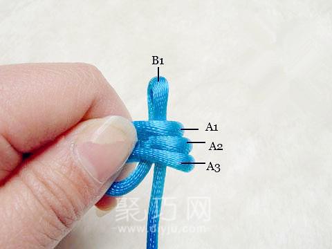 中國結中的寶結四寶三套的編法教程第4步