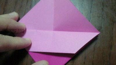 变废为宝折环保纸袋子步骤6