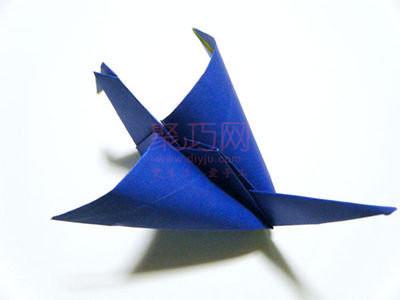 千纸鹤折法图解教程,这个千纸鹤折好后翅膀可以挥动