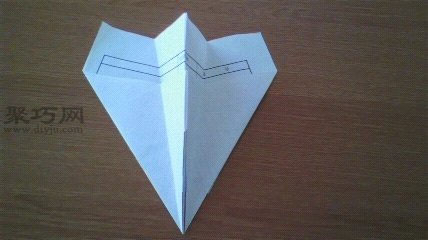 小時候經常折的最簡單的一種紙飛機