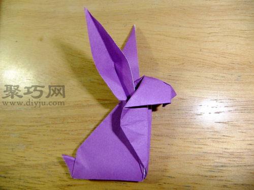 怎样用纸折叠可爱的立体兔子
