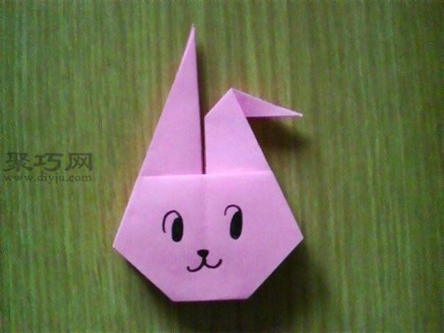 用纸折叠活泼可爱的兔子头的方法