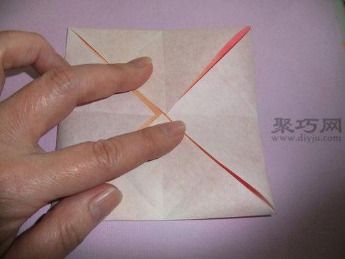 如何折叠浪漫的纸蝴蝶步骤4