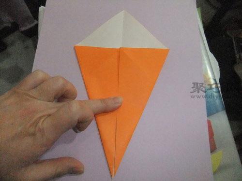 折纸胡萝卜的方法 教你怎么用纸折胡萝卜