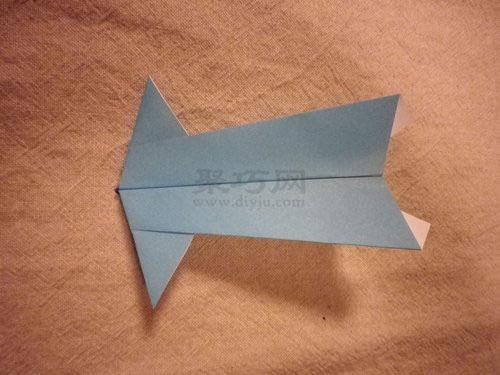 寬頭飛機的折疊方法圖解 如何用紙折烏賊頭飛機