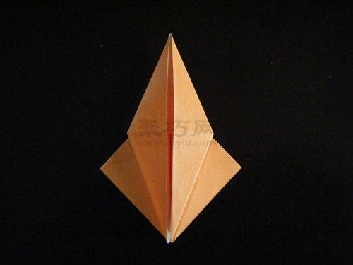 """如何折纸恐龙之异齿龙的折叠方法""""步骤3中的"""